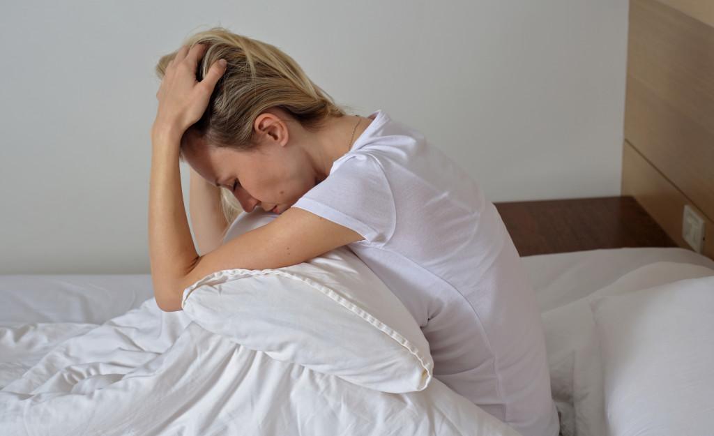 woman cant sleep